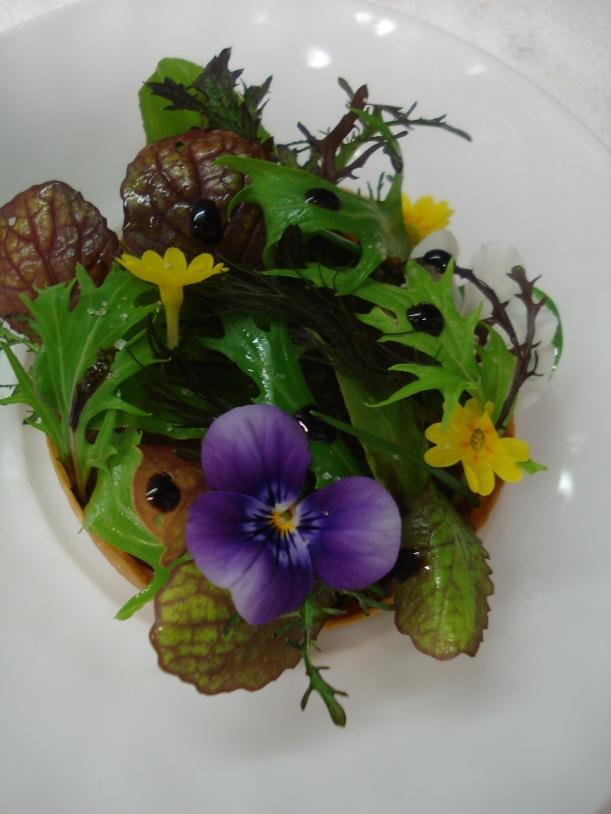 tartalet de flores con balsamico